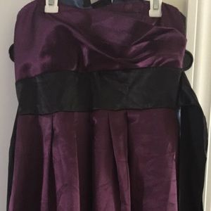 Dresses & Skirts - Purple strapless dress with black tie